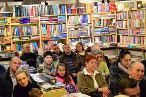 Cenușa lumii s-a așternut peste cititori...la librăria Șt. O. Iosif