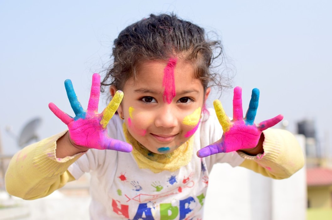 Cum să alegi jocul creativ potrivit pentru copilul tău