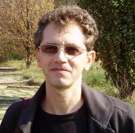 """Radu Pavel Gheo: """"Tot mai bine e sa fii scriitor. In ce scrie, scriitorul e propria lui orchestra."""""""