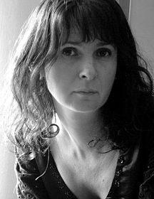 "Ruxandra Cesereanu: ""Cartea si lectura sunt o forma de euthanasie obligatorie, dar nu ca sa murim mai repede, ci ca sa traim mai intens…"""