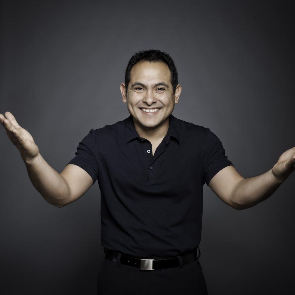 """don Miguel Ruiz Jr.: """"Viaţa este profesorul meu. Toţi cei pe care îi întâlnesc îmi sunt profesori, sunt cărţi care mă învaţă lucruri despre mine şi despre viaţă."""""""