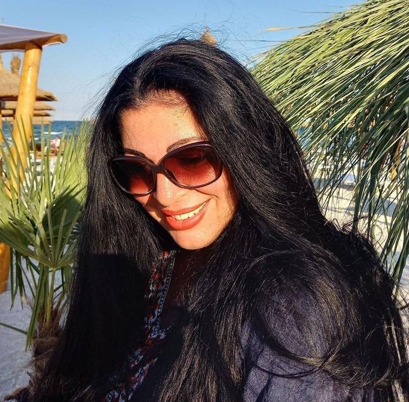 Când va veni sfârșitul, aș vrea să mă găsească la malul mării, stând sub o umbrelă de soare și citind o carte veche.